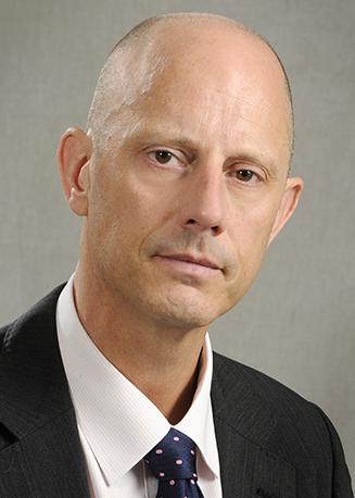 Dr Paul R Roberts